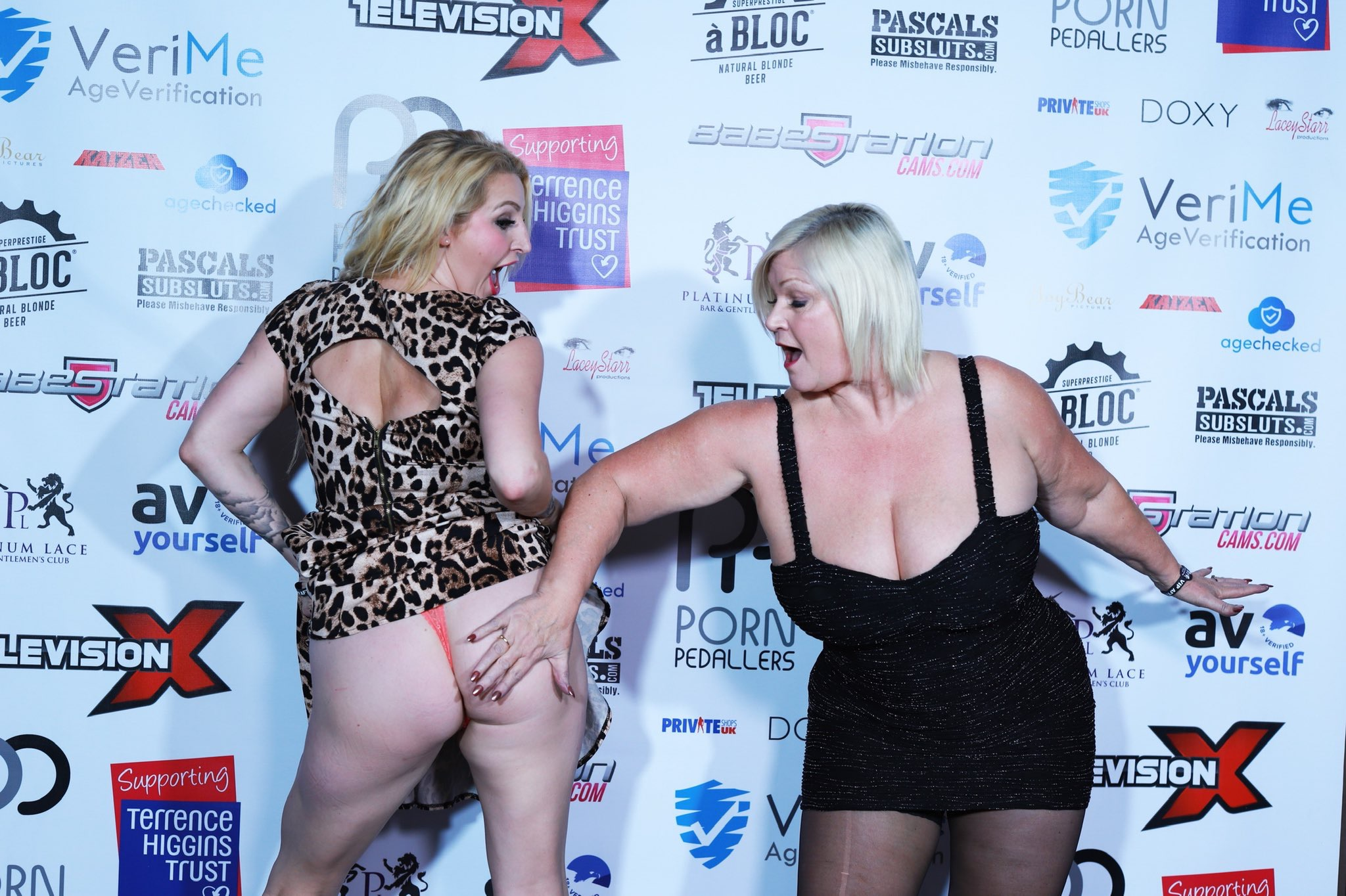 Lacey Starr and Loula Lou walk the red carpet