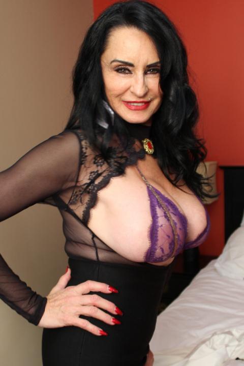 Model: Rita Daniels